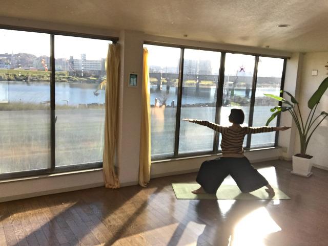 ヨガのインストラクター養成なら【Yoga Varna】~資格を活かすための講座~